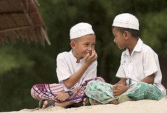 From friend - 01 (dol2519) Tags: people color beach kids asian thailand student asia south muslim islam 666 east southern thai asean mamak ibn asem thaland afta pattani  5photosaday  dol2519 sothorn earthasia sigree sigreebinmamak