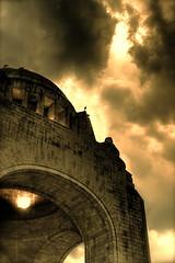 Monumento a la Revolucin HDR (edgarator) Tags: sky monument mxico clouds atardecer mexicocity dusk monumento ciel revolution favoritas greatshot revolucin hdr crepsculo mytop greatphoto nuves misfavoritas 3semanas granfoto grantoma