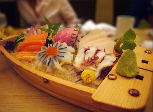 sashimi boat1