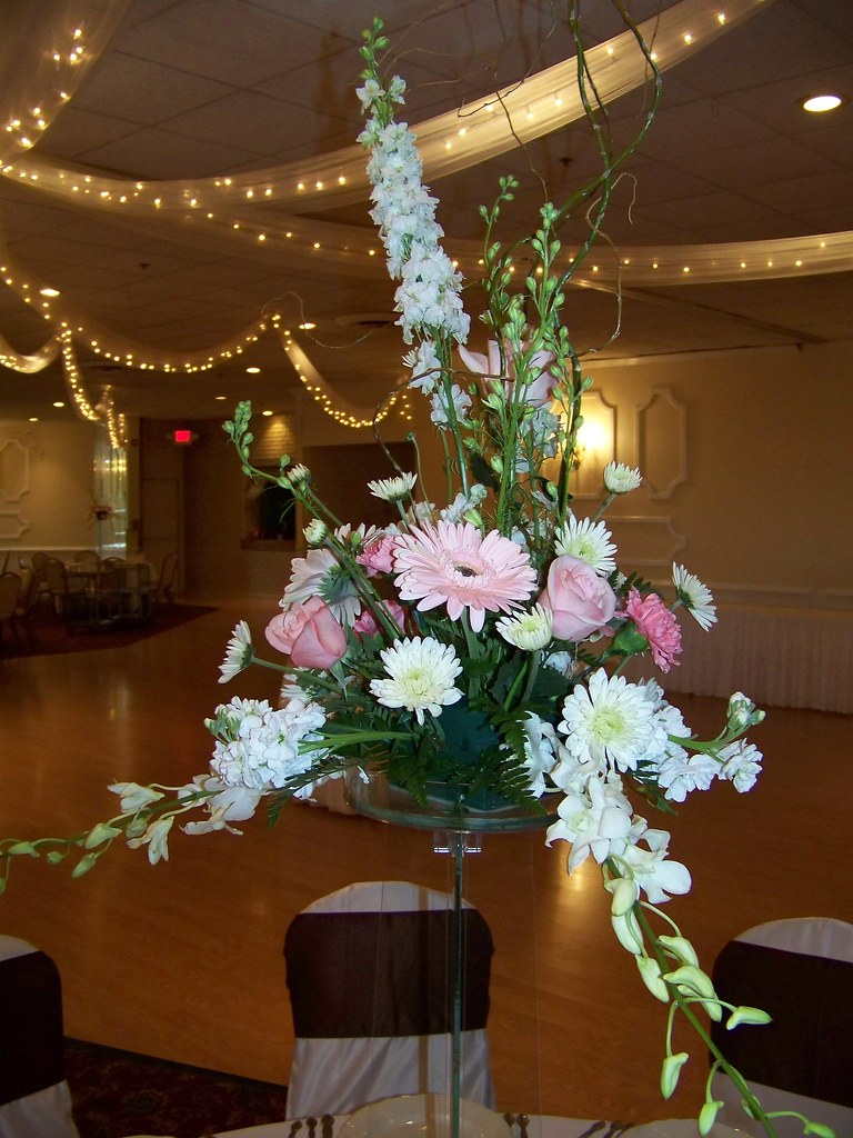 Table Centerpiece on Glass Tower at Orland Chateau