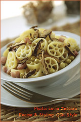 Rotelle pasta with Mushrooms, Bacon and Peas