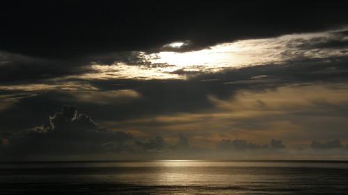 55.金黃的日出灑落海面 (10)