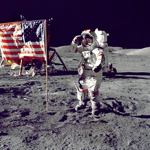 Eugene A. Cernan, Comandante Apollo 17 en la Luna
