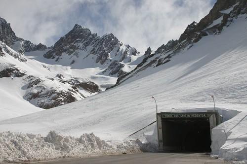 Túnel del Cristo Redentor, Chile/Argentina.