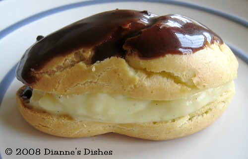 Daring Bakers August 2008 Challenge Eclairs: Oblong