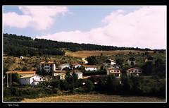 Eusa (Navarra) (Alfredo Castillo (Tato Fredy)) Tags: naturaleza nature rural nikon natura paisaje euskalherria euskadi pueblos navarra nafarroa eusa txantrea nikond300 tatofredy alfredocastillo