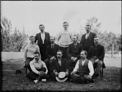 Ten men posed as for a sporting photograph (Powerhouse Museum Collection) Tags: sport hats moustache ten vests neckties powerhousemuseum boater watchchains xmlns:dc=httppurlorgdcelements11 dc:identifier=httpwwwpowerhousemuseumcomcollectiondatabaseirn381253 piope fobchains