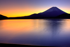 Sunrise over Lake Motosu (TheJbot) Tags: morning lake japan sunrise fuji  hdr yamanashi jbot lightroom motosu motosuko  thejbot
