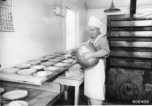 Putting meringue on lemon pies, 1940