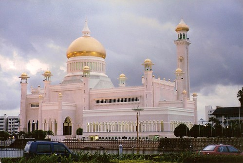 Sultan Omar Ali Saifuddin Mosque, Bandar Seri Begawan por tokek belanda (busy for a while).