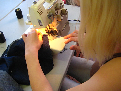 Jeans - Serging the edges