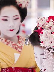 Ume Festival (yocca) Tags: topf25 girl japan female kyoto shrine maiko  kimono 2008 ume  kitanotenmangu  50faves 10faves feb2008 beautifulbokeh 3030300 diamondclassphotographer flickrdiamond umefestival  photojewels