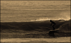 Old Skool - Classsic Longboard action from Compton Bay, Isle of Wight (s0ulsurfing) Tags: ocean light sunset shadow sea sun sunlight seascape beach water silhouette sport sepia backlight wow wonderful fun island mono evening bay coast twilight surf waves play sundown action dusk compton surfer board shoreline silhouettes wave monotone surfing retro coastal shore vectis isleofwight surfboard longboard surfers coastline backlit rollers february hanover 2008 tones swell isle olas oldskool wight aktion freiheit groundswell westwight surfen longboarding translucence beachbreak comptonbay longboarders eow s0ulsurfing diamondclassphotographer flickrdiamond