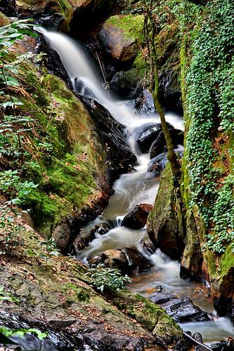 Waterfall in São Roque / Cachoeira (by Chaval Brasil)