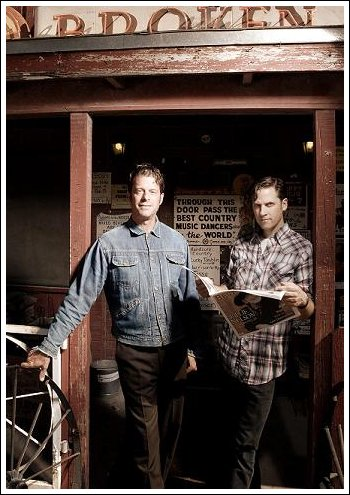 "Calexico Announces New CD, ""Carried to Dust,"" Due Sept. 9th"