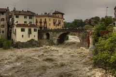 Il borghetto (franz75) Tags: bridge italy d50 river nikon italia fiume dora ponte piemonte croazia piedmont hdr ivrea piena pontevecchio vecchio borghetto canavese