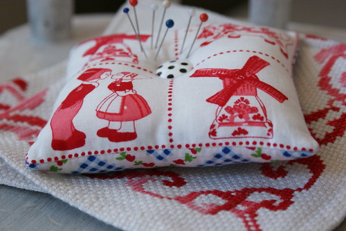 pincushion dutch style