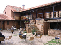 "Murias de Rechivaldo Albergue Courtyard • <a style=""font-size:0.8em;"" href=""http://www.flickr.com/photos/48277923@N00/2622263323/"" target=""_blank"">View on Flickr</a>"