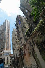 Hong Kong - old and new in Tsuen Wan (cnmark) Tags: new old city building buildings geotagged hongkong pipes hong kong growth vision growing algae wan residential complex gebude mildew tsuen allrightsreserved visioncity geo:lat=22370153 geo:lon=114115366