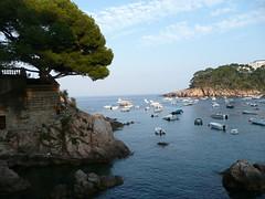 Cala en Fornells (Vikingo's Pub) Tags: espaa botes spain catalonia catalunya costabrava catalua cala fornells begur hotelaiguablava carrerdefrancescsabaterxiquet