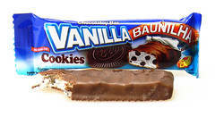 Vanilla Cookies Chocolatey Bar