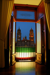 Viva Mexico (Nino H) Tags: light luz window night mexico noche lumire flag religion palace cathdrale bandera palais mexique nuit fentre hdr independencia drapeau lacatedral torres plazadearmas slp palaciodegobierno sanluispotosi supershot anawesomeshot