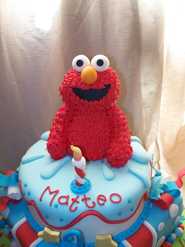 Close up of Elmo