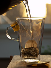 (cbmd) Tags: water glass backlight tea twinings teabag earlgrey bodum 50mmmacro20 contrejoure exif:exposure_bias=0ev exif:iso_speed=100 exif:focal_length=50mm camera:make=olympusimagingcorp camera:model=e510 exif:exposure_program=manual exif:metering_mode=pattern exif:flash=noflash exif:lens=50mmf2 exif:aperture=f40 exif:shutter_speed=1125sec file:name=c1255710 file:uuid=ee823e7da6ca4843a7ee8413aaf844e3