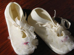 Baby Shoes (akahodag) Tags: vintage shoes antique babyshoes showmeyourqualitypixels