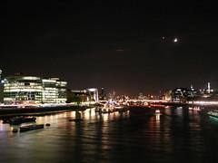 London - Grat Britain (biluu_72) Tags: moon london thames night britain great luna londra notturna tamigi