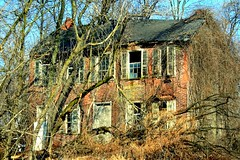 This Old House (MBH Pa) Tags: house abandoned farmhouse digital canon canonrebel soe decayed oldfarmhouse northamptoncounty xti golddragon mywinners canonrebelxti shieldofexcellence aplusphoto diamondclassphotographer flickrdiamond betterthangood theperfectphotographer flickrestrellas unlimitedphotos ilovemypics spiritofphotography spiritofphotograpy thebestscenery