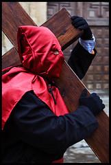 Manga por hombro (Haciendo clack) Tags: espaa digital canon eos reflex spain europa europe valladolid semanasanta 2007 juevessanto castillaylen canonef24105mmf4lisusm haciendoclack 400d canon400d procesindelsantsimocristodelaluz hermandaduniversitariadelsantsimocristodelaluz jessgonzlezlpez
