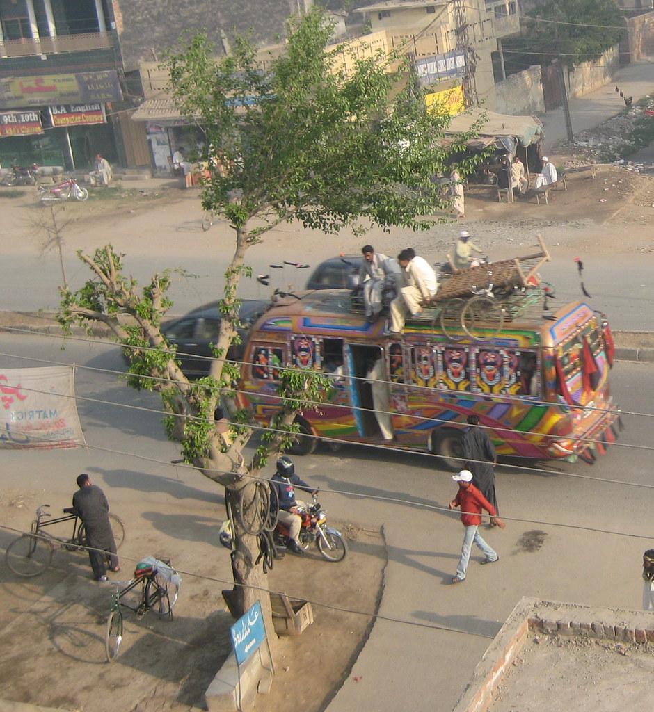 Lahore Bus