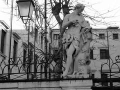 Venice - Sculpture (timinbrisneyland) Tags: venice italy sculpture blackwhite streetlamp