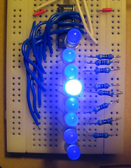 Latchless shift register
