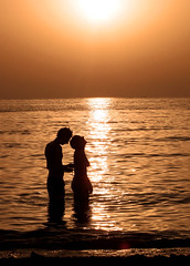 This is for lovers running away... (Giuseppe Suaria) Tags: sunset sea love couple tramonto mare malta lovers amour amore amanti fidanzati mywinners aplusphoto