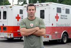 Kurt Warner returns home to Cedar Rapids (American Red Cross) Tags: flood disaster erv redcross mvp disasterrelief cedarrapids americanredcross kurtwarner