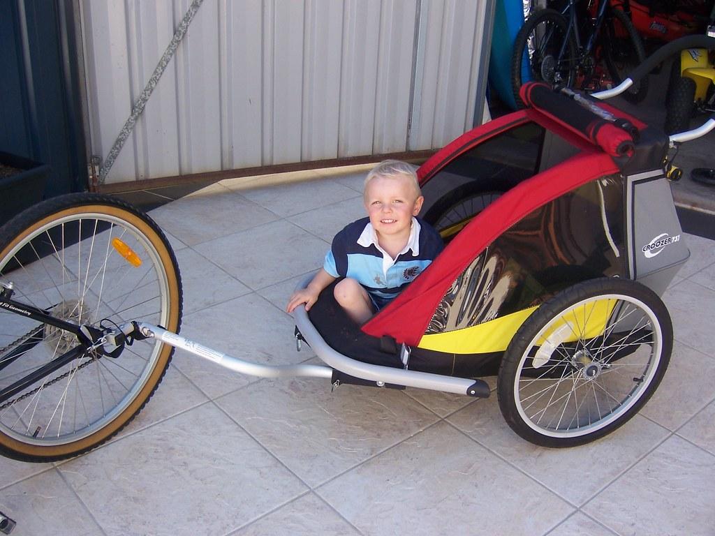 Croozer 737 - Bike trailer/Jogger/Stroller - sell $350