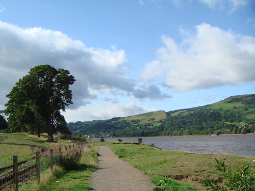 Path along the River Clyde