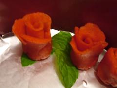DSCF3463 (Matthew Garrett) Tags: birthday roses marzipan