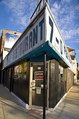 The 7-D (Seor Codo) Tags: chicago restaurant triangle codophoto wickerpark7d