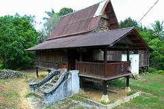 Malacca Traditional House 01 (The JASS) Tags: lama melaka malacca rumah jasin sejarahhistorictraditionalhousemalaysiajasnid70s