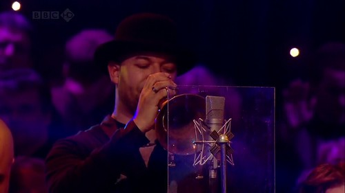 Jools' Annual Hootenanny 2008 (31st December 2008) [HDTV 720p (x264)] preview 1