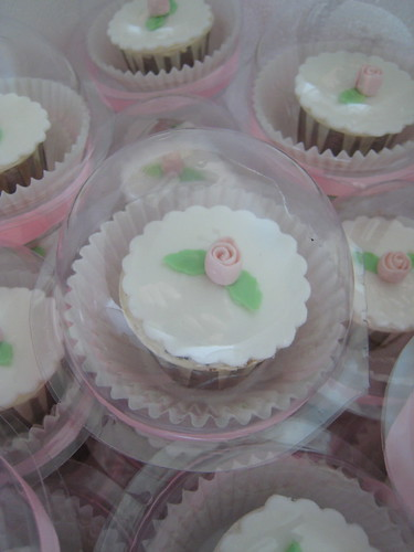 Flower wedding Cupcakes2
