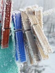 ghiaccio (mondo_viola) Tags: ice pegs clothespegs ghiaccio mollette prendedores