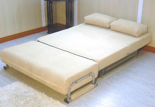 正妹移走才能正視的三折式沙發床