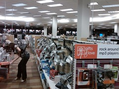 Circuit City Newport (JohnathanLobel) Tags: city beach fashion island sale newport crowded liquidation circuity
