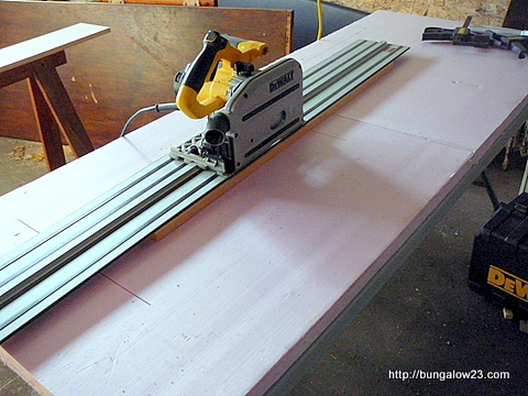 Cutting table in use