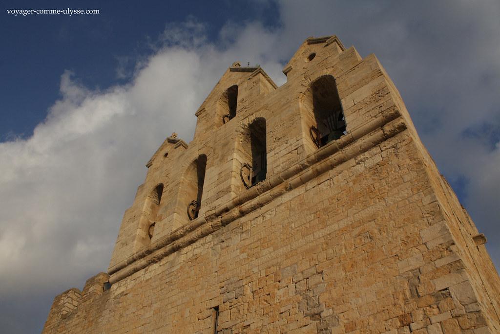 Igreja fortificada dos séculos XI e XII