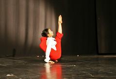 Elizabeth Gaumond haciendo la carpa (Zaldun Urdina) Tags: circo circus aerial flex cirque contortion aro contorsion frontbend elizabethgaumond bihurrikaria